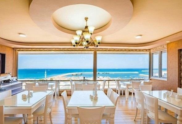 هتل ساحلی در قشم