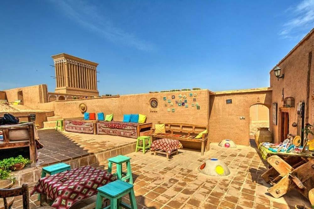 کافه خانه بام هنر یزد فهادان