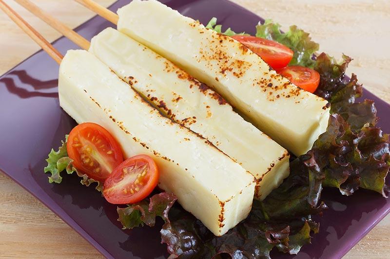 خوراک های برزیلی پنیر کبابی برزیل