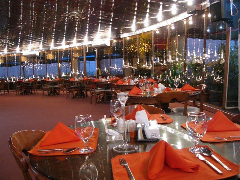 رستوران گردان امپراطور
