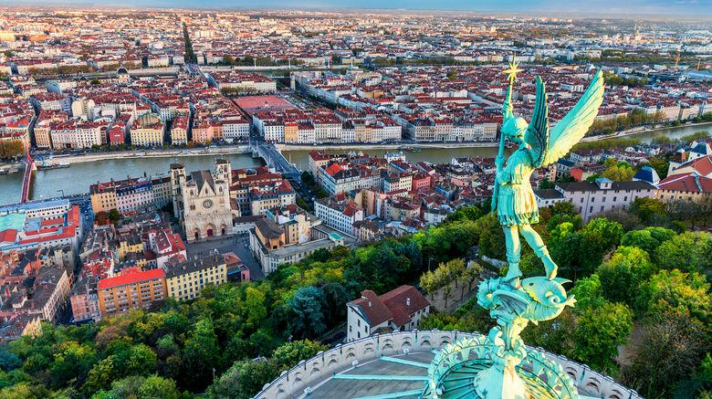 شهر لیون فرانسه 2021-بوکینگ