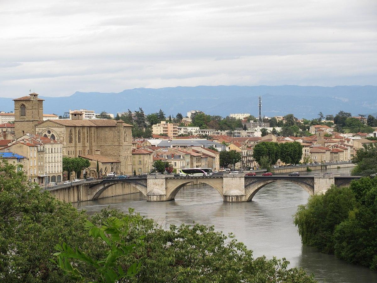 شهر رومن سور ایزر فرانسه 2021-بوکینگ